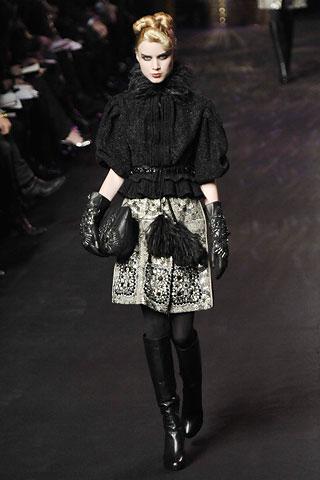 Christian Lacroix AW-2008/2009 (осень-зима 2008/2009) ready-to-wear (14576.Christian.Lacroix.aw.2008.09.women.08.jpg)
