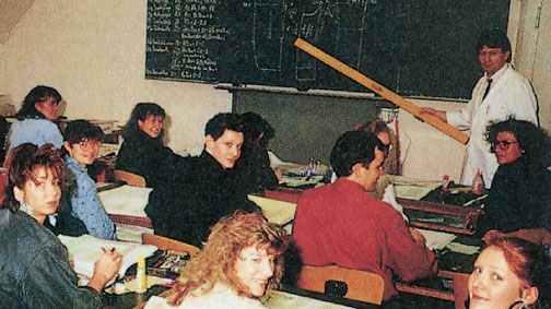 Занятие в 1991 году: Курс техники кроя мужской одежды у преподавателя Франца Бюхера