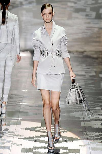 Коллекция одежды и обуви Gucci лето 2010 (17947.Gucci_.03.jpg)