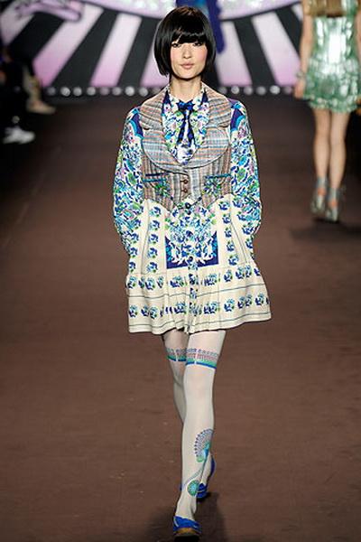 Модные платья лето 2010 от Anna Sui (19160.Sui_.10.jpg)