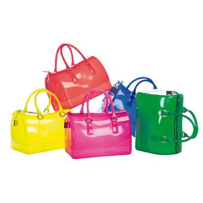 Коллекции сумок Coccinelle и Furla весна-лето 2011 (20317.Coccinelle.s.jpg)