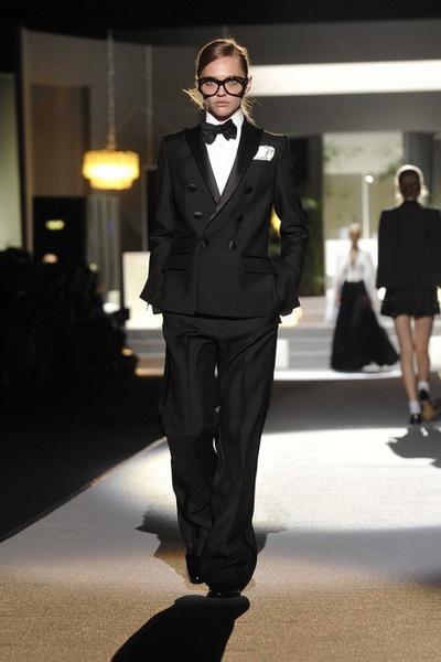 Женская и мужская мода Dsquared2 2011 (21000.Dsquared2.01.jpg)