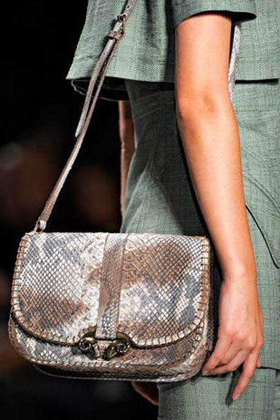 Коллекции сумок Derek Lam и Alexander McQueen SS-2011 (весна-лето) (21283.Lam_.02.jpg)