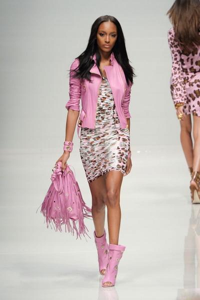 Коллекция одежды и аксессуаров Blumarine SS-2011 (весна-лето) (21899.Blumarine.11.jpg)