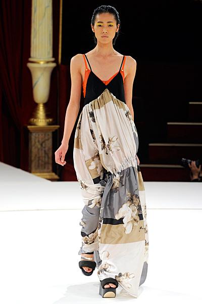 Круизная коллекция одежды и аксессуаров Kenzo SS-2011 (весна-лето) (21983.Kenzo_.08.jpg)