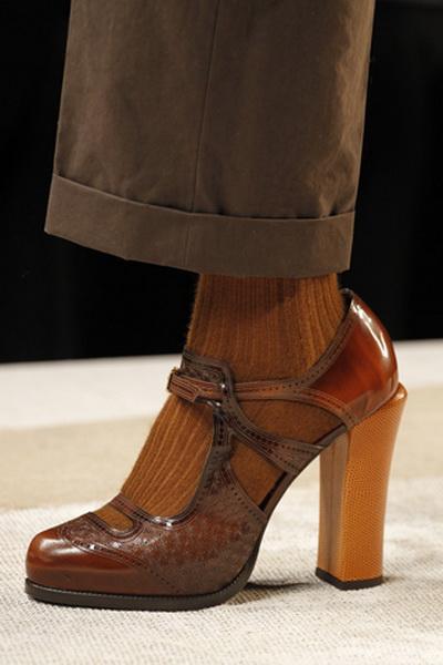 Обувь и сумки Fendi FW-2011/12 (осень-зима) (23578.Fendi_.FW_.2011.12.02.jpg)