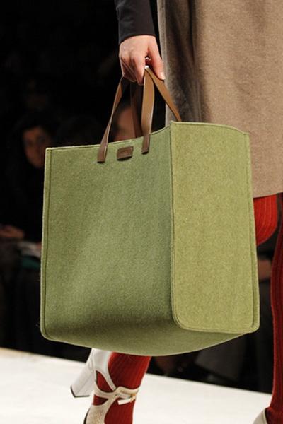Обувь и сумки Fendi FW-2011/12 (осень-зима) (23578.Fendi_.FW_.2011.12.21.jpg)