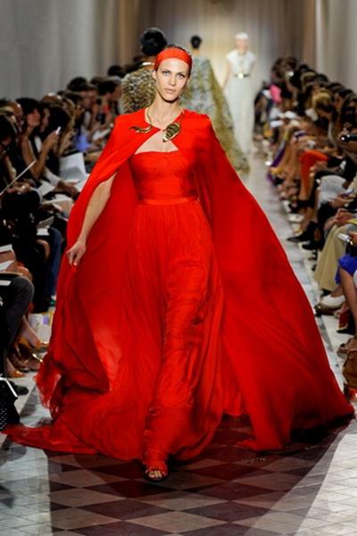 Дебютная коллекция Giambattista Valli haute couture FW 2011/12 (26043.Giambattista.Valli_.FW_.2011.12.05.jpg)
