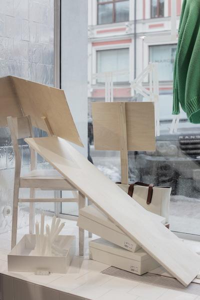Новые витрины магазина КМ20 (30677.Make_.Art_.Not_.Revolution.Vladimir.Bordo_.03.jpg)