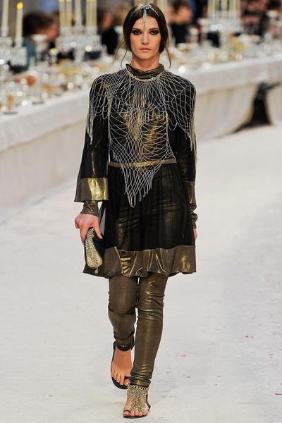 Коллекция Chanel pre-fall 2012 (30933.Chanel.Karl_.Lagerfeld.Pre_.Fall_.2012.08.jpg)