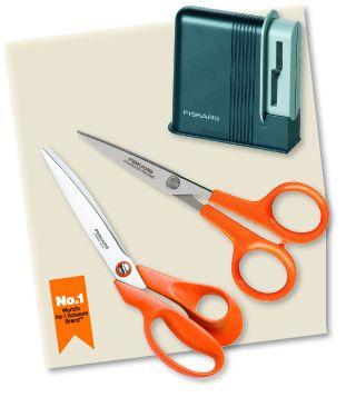 Еще два победителя получат: наборы из трех предметов: ножницы для раскроя ткани, ножницы для шитья MicroTip, точилку для ножниц.