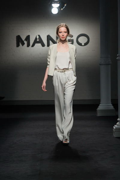 Mango SS 2013 (весна-лето) (38776.Mango_.Event_.Hall_.S.H.E.L.K.SS_.2013.10.jpg)