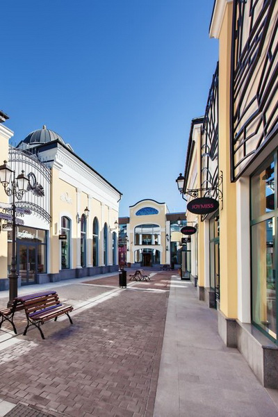 Летняя программа Outlet Village Белая Дача (40272.Late_.Night_.Shopping.Outlet.Village.Belaya.Dacha_.05.jpg)