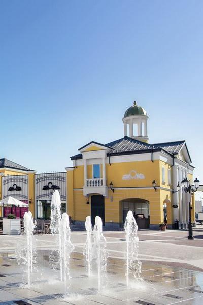 Летняя программа Outlet Village Белая Дача (40272.Late_.Night_.Shopping.Outlet.Village.Belaya.Dacha_.b.jpg)
