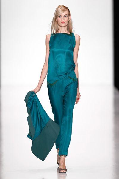 Показ весенне-летней коллекции 2014 Юлии Далакян на Mercedes-Benz Fashion Week Russia (44237.DALAKIAN.05.jpg)