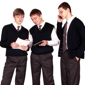 Новогрудская швейная фабрика к новому школьному сезону выпустит 37 тыс. костюмов для мальчиков (455.s.jpg)