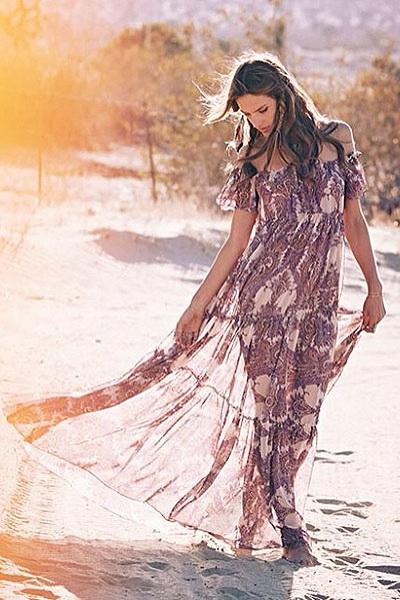 Алессандра Амбросио представила собственный бренд (47070.Alessandra.Ambrosio.Own_.Brand_.Collection.SS_.2014.03.jpg)