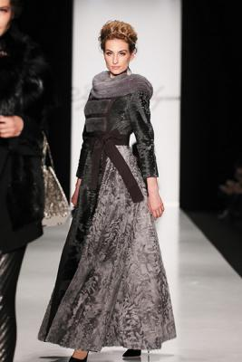 Igor Gulyaev FW 2014/15 (осень-зима) (48370.MBFWR_.Womans.Collection.Igor_.Gulyaev.FW_.2014.b.jpg)