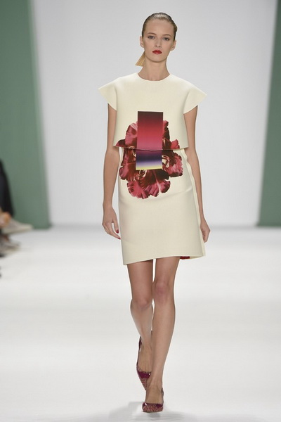 Carolina Herrera SS 2015 (весна-лето) (51027.New_.Collecion.Womans.Clothes.Carolina.Herrera.SS_.2015.06.jpg)