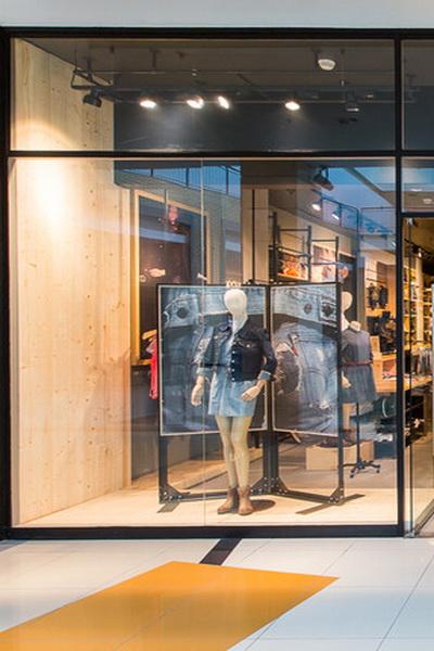 Levi's отпразднует открытие новых магазинов (51340.Brand_.Levis_.Anons_.Opening.New_.Shops_.Moscow.Metropolis.Atrium.01.jpg)