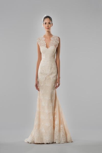 Свадебная коллекция Carolina Herrera 2015  (52254.New_.Bridal.Collection.Carolina.Herrera.Fall_.2015.02.jpg)