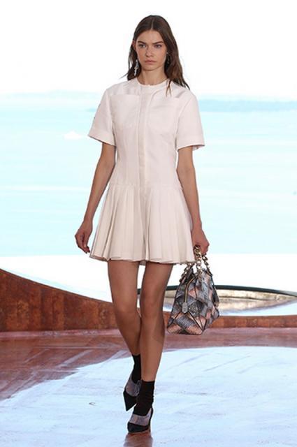 белое платье вечернее карандашь