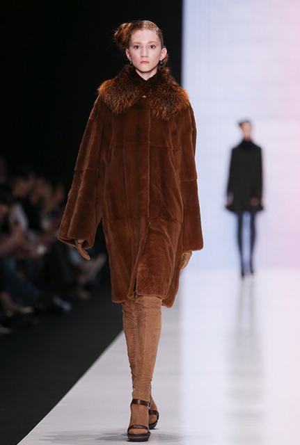 Viva Vox FW 2015/16 (осень-зима) (58167.MBFWR_.New_.Womans.Collection.Viva_.Vox_.FW_.2015.10.jpg)
