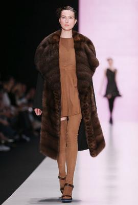 Viva Vox FW 2015/16 (осень-зима) (58167.MBFWR_.New_.Womans.Collection.Viva_.Vox_.FW_.2015.12.jpg)