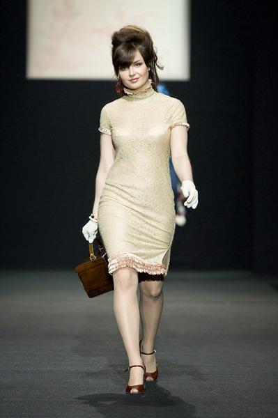 На будущий сезон осень-зима 2007/08 дуэт Marmalade предлагает платья, меха, вязаные береты и чулки (588.05.jpg)