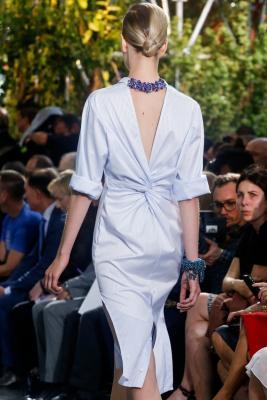 Илл. 01 Платье Christian Dior