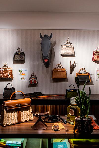 Уникальная выставка изделий Hermès в Париже (60365.hermes.b.jpg)