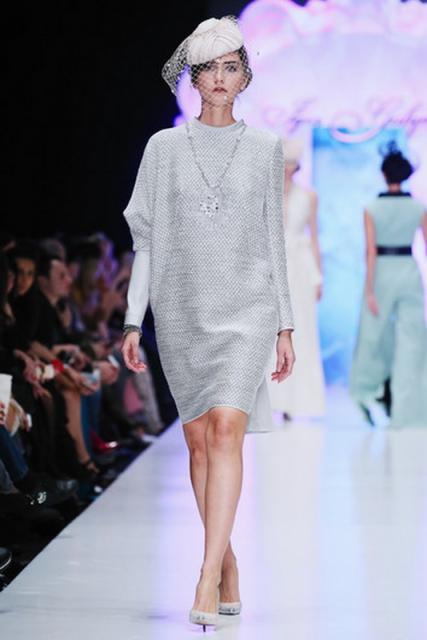 Igor Gulyaev SS 2016  (62718.Mercedes.Benz_.Fashion.Week_.Russia.Kollekciya.Igor_.Gulyaev.SS_.2016.09.jpg)