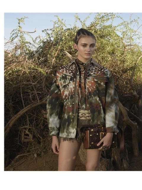 Масаи в рекламной кампании Valentino  (62768.Afrikanskie.Masai_.V.Reklamnoy.Kampanii.Valentino.2016.04.jpg)
