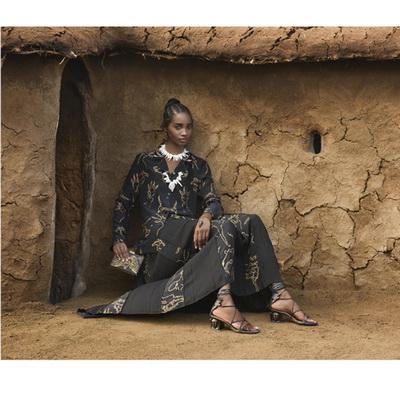 Масаи в рекламной кампании Valentino  (62768.Afrikanskie.Masai_.V.Reklamnoy.Kampanii.Valentino.2016.s.jpg)