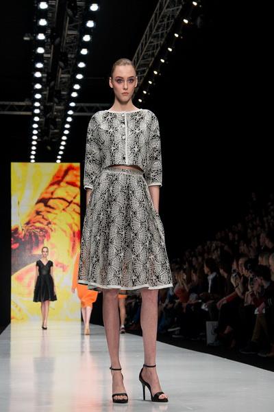 Oksana Fedorova AW 2016/17 (осень-зима) (65454.Mercedes.Benz_.Fashion.Week_.Russia.Oksana.Fedorova.AW_.2016.05.jpg)