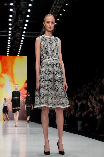 Oksana Fedorova AW 2016/17 (осень-зима) (65454.Mercedes.Benz_.Fashion.Week_.Russia.Oksana.Fedorova.AW_.2016.07.jpg)