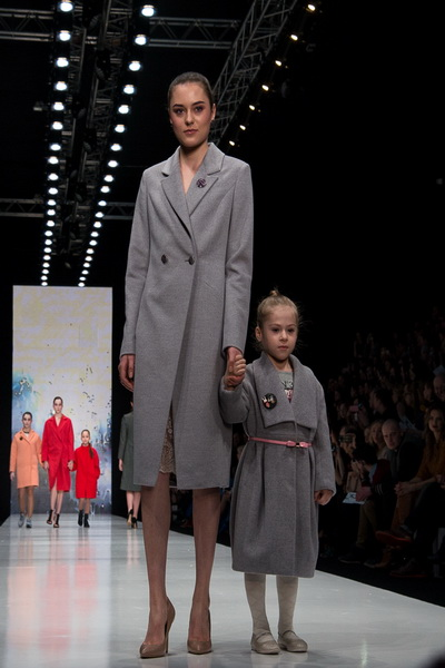 Oksana Fedorova AW 2016/17 (осень-зима) (65454.Mercedes.Benz_.Fashion.Week_.Russia.Oksana.Fedorova.AW_.2016.b.jpg)