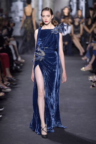 Eliе Saab Haute Couture AW 2016/17 (осень-зима) (67569.Pokaz_.Paris_.Kollekciya.Elias_.Saab_.Haute_.Couture.AW_.2016.08.jpg)