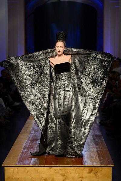 Jean Paul Gaultier Haute Couture AW 2016/17 (осень-зима) (68508.Paris_.Kollekciya.Jean_.Paul_.Gaultier.Haute_.Couture.AW_.2016.2