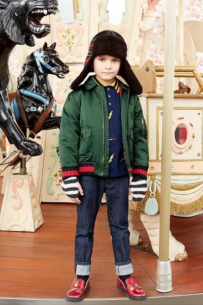 Детская коллекция Gucci AW 2016/17 (осень-зима) (68762.Novaya.Detskaya.Kollekciya.Brenda.Gucci_.AW_.2016.25.jpg)