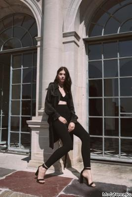Kendall + Kylie SS 2017 (весна-лето) (70267.New_.York_.Novaya.Kollekciya.Kendall.And_.Kylie_.SS_.2017.01.jpg)
