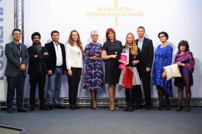 Арина Диулина и совет партнеров конкурса «Экзерсис»