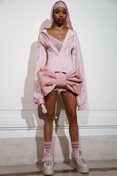 Коллаборация Fenty Rihanna x Puma (70839.Kollaboraciya.Fenty.Rihanna.X.Puma.15.jpg)