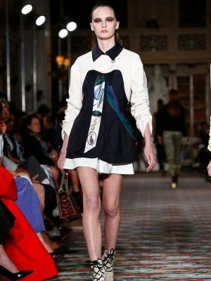 Илл. 01. Платье Christian Dior 2017