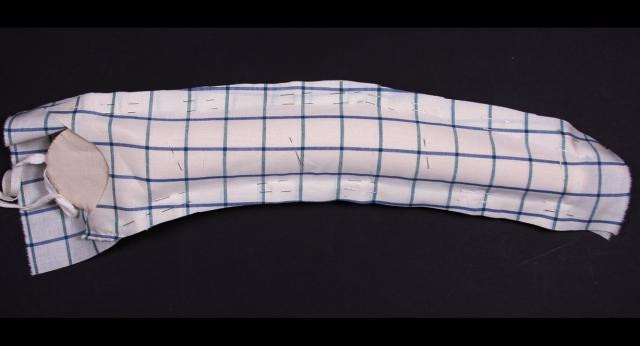 Рис. 2. Процесс наколки рукава на муляже руки. Как выбрать портновский манекен? (71723-maneken-pro-02.jpg)