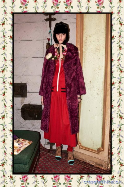Коллекция Gucci Pre Fall 2017 (72471-Kollekciya-Gucci-Pre-Fall-2017-26.jpg)