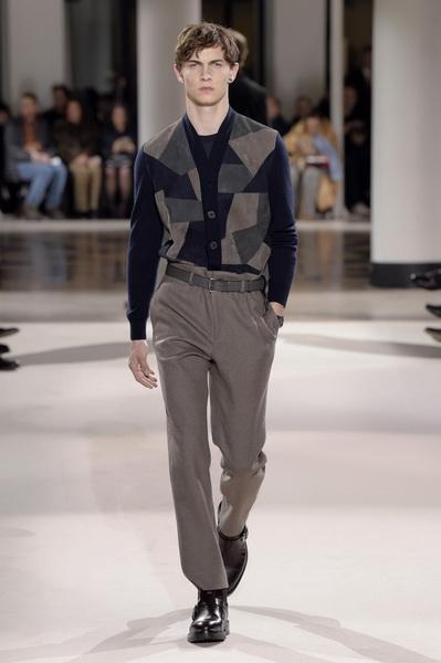 Неделя мужской моды в Париже: Hermes осень-зима 2017 (73053-Nedelya-Mugskoy-Modi-Hermes-AW-2017-02.jpg)