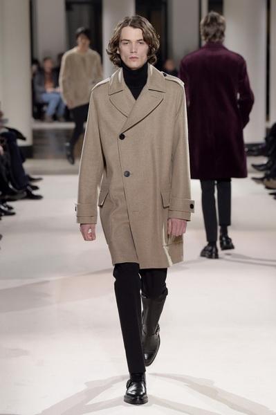 Неделя мужской моды в Париже: Hermes осень-зима 2017 (73053-Nedelya-Mugskoy-Modi-Hermes-AW-2017-04.jpg)