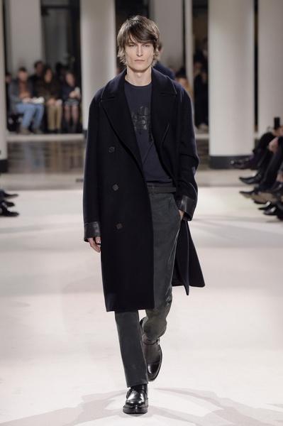Неделя мужской моды в Париже: Hermes осень-зима 2017 (73053-Nedelya-Mugskoy-Modi-Hermes-AW-2017-05.jpg)