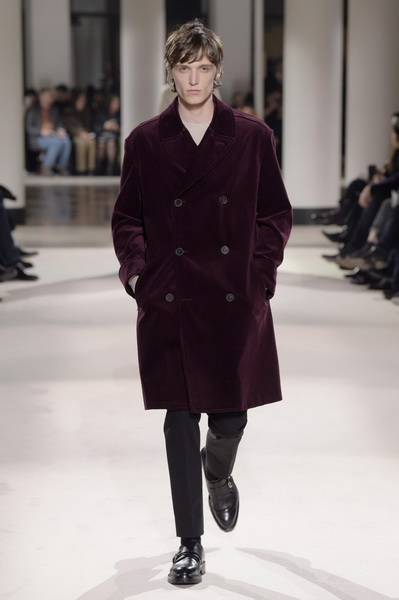 Неделя мужской моды в Париже: Hermes осень-зима 2017 (73053-Nedelya-Mugskoy-Modi-Hermes-AW-2017-07.jpg)